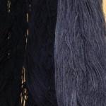 Résultat après 2 aérations. A gauche sur le lin blanchi, au centre sur le coton, à droite sur la laine.